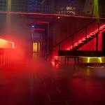 Discoteca en rojos y con humo